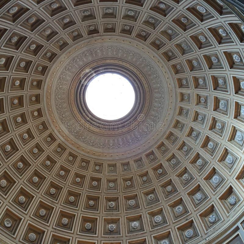 St Peters Basilica em Roma fotografia de stock