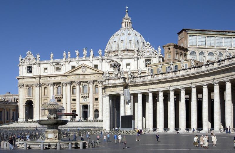 St. Peters Basiliek - Vatikaan - Rome - Italië royalty-vrije stock afbeeldingen