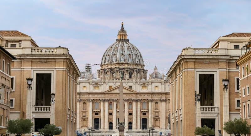 St Peters bazylika w watykanu stanie, Rzym, Włochy zdjęcia royalty free