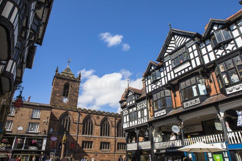 St Peters Church y edificios Madera-enmarcados en Chester fotos de archivo libres de regalías