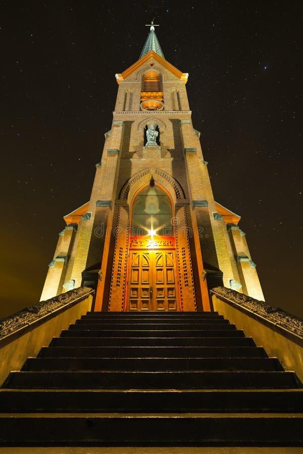 St Peters Landmark, Dallesen, Oregon på natten arkivbild