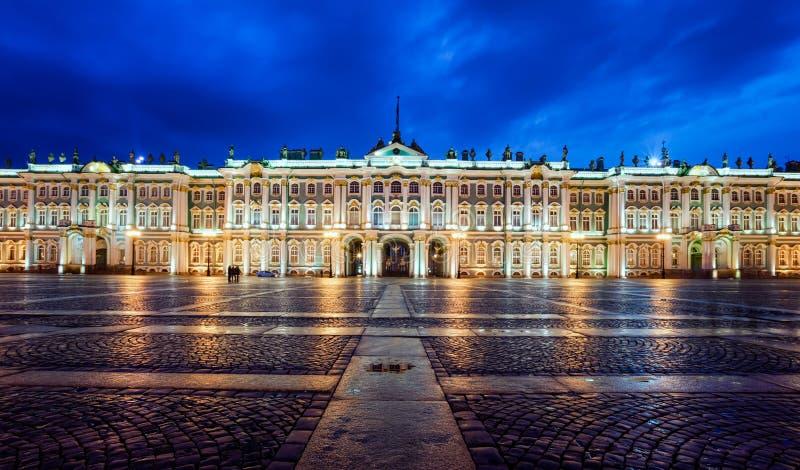 Download St Petersbourg De Musée D'ermitage Image stock - Image du touristique, heure: 76085889