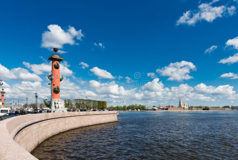 St Petersburg Île de Vasilyevsky dans le jour d'été photographie stock libre de droits