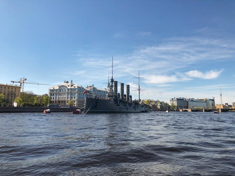 St Petersburg De Dageraad van de slagschipkruiser, heilige-Petersburg, Rusland stock afbeeldingen