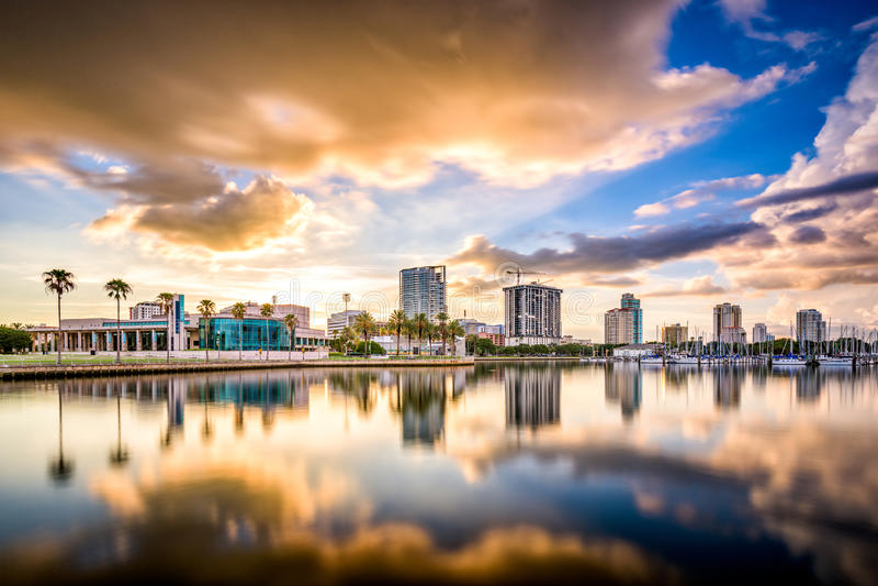 St Petersburg, Floryda linia horyzontu obrazy stock