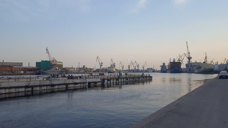 St Petersburg Hamnstad på Basil Island royaltyfri fotografi