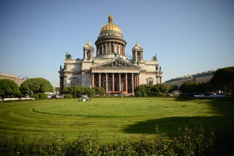 St Petersburg helgonIsaacs domkyrka Isaakievskiy Sobor arkivfoton