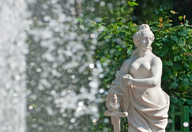 St Petersburg La Russia Allegoria di giustizia Sculpture immagine stock libera da diritti