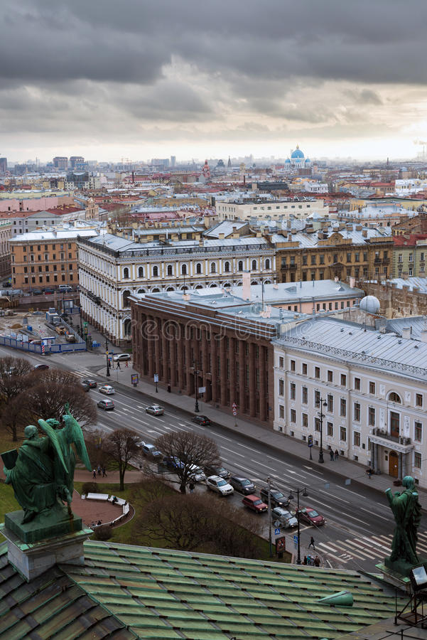 St. Petersburg. Mening van colonnade van St. Isaac Kathedraal. Rusland stock foto's