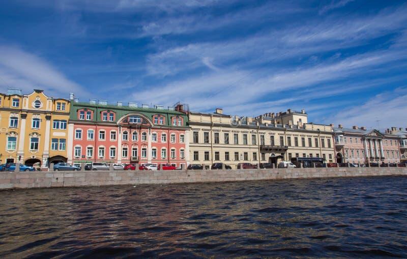 St. Petersburg, mening van de stad van het kanaal stock foto's