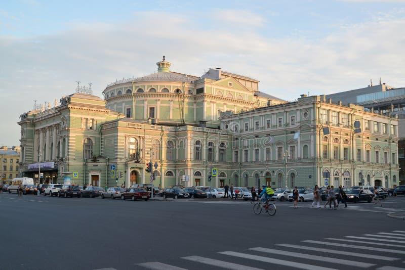 St Petersburg O teatro acadêmico de Mariinsky do estado brilhado com imagens de stock