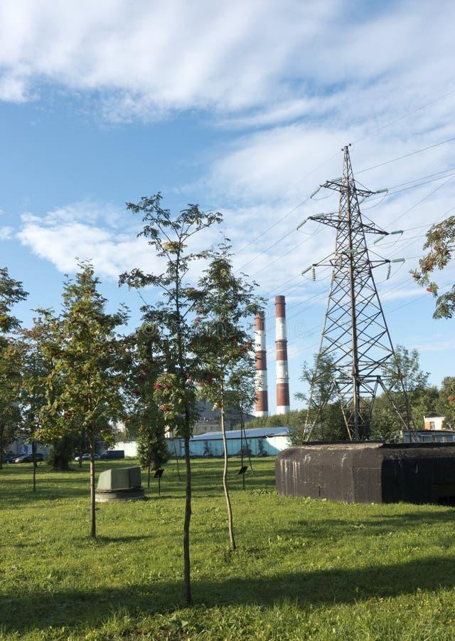 St Petersburg Przemysłowy region i drymby miła electro stacja zdjęcia royalty free