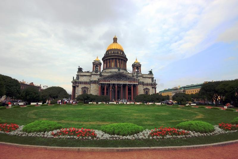 St Petersburg, Rússia, em julho de 2012 Catedral do `s de Isaac de Saint fotos de stock royalty free