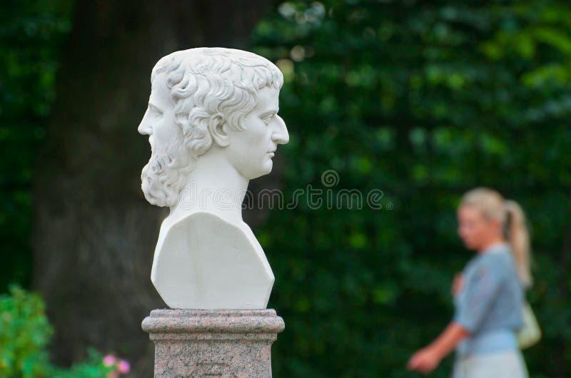 St Petersburg Rusia Jano con dos caras fotos de archivo