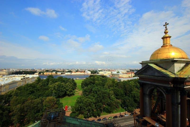 St. Petersburg, Rusland, Juli, 2012 Panorama van obser stock afbeelding