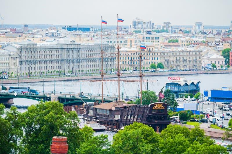 St Petersburg, Rusland Satellietbeeldpanorama van Vasilyevsky Island met oude historische gebouwen in St. Petersburg, Rusland stock foto's