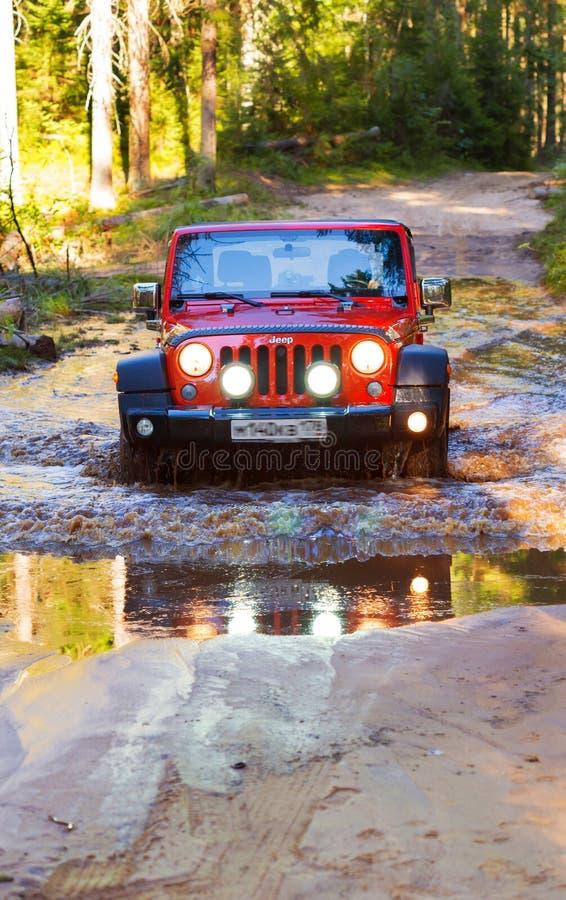 St Petersburg, Russia - 30 luglio 2013 - Jeep Wrangler Rubicon immagini stock libere da diritti