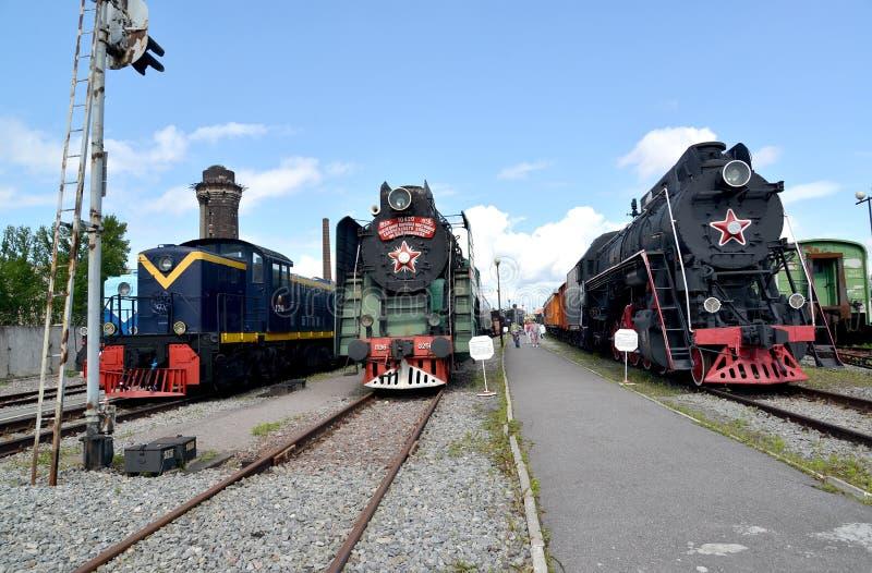 ST petersburg russia Sikt av gammal järnväg utrustning royaltyfri fotografi