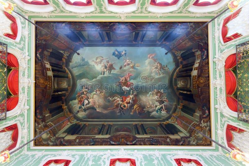 Plafond Frescoed dans le palais de Stroganov photographie stock