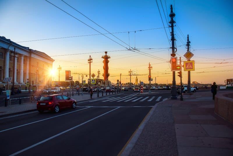 St Petersburg Russie Musée de Kunstkamera Coucher du soleil le soir photos libres de droits