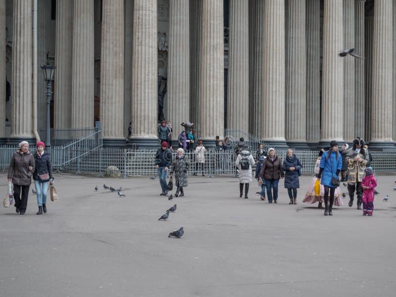 St Petersburg, Russie - 10 septembre 2017 : La place près de la cathédrale de Kazan photo libre de droits