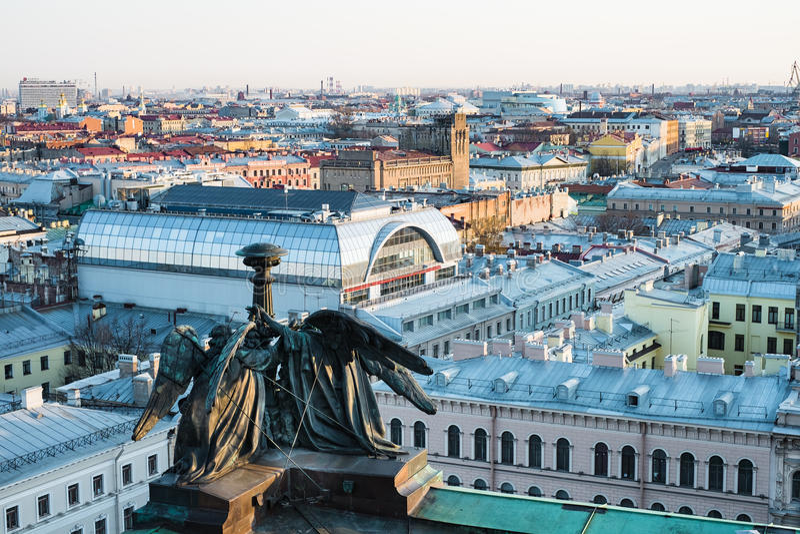 St Petersburg Russland Panorama der Stadt lizenzfreie stockfotos