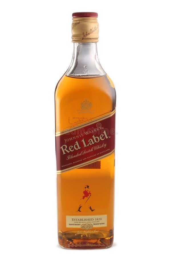 ST PETERSBURG RYSSLAND - December 05, 2015: Flaska av Johnnie Walker Red Label, blandad skotsk whisky, Skottland royaltyfria bilder
