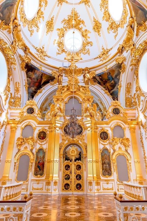 St Petersburg Ryssland - Maj 12, 2017: Inre av tillståndseremitboningen, den storslagna kyrkan av vinterslotten eremitboning royaltyfri fotografi