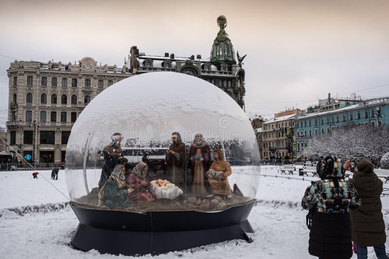 St Petersburg, scène de nativité de Noël photos libres de droits