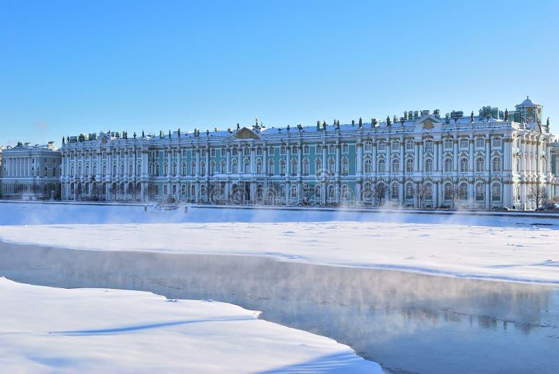 St Petersburg. Winter-Palast lizenzfreie stockfotos
