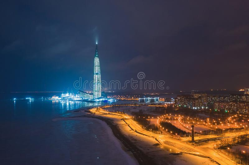 ST PETERSBURGO, RÚSSIA - EM MARÇO DE 2019: O centro de Lakhta é um complexo multifuncional inovativo em St Petersburg imagens de stock royalty free