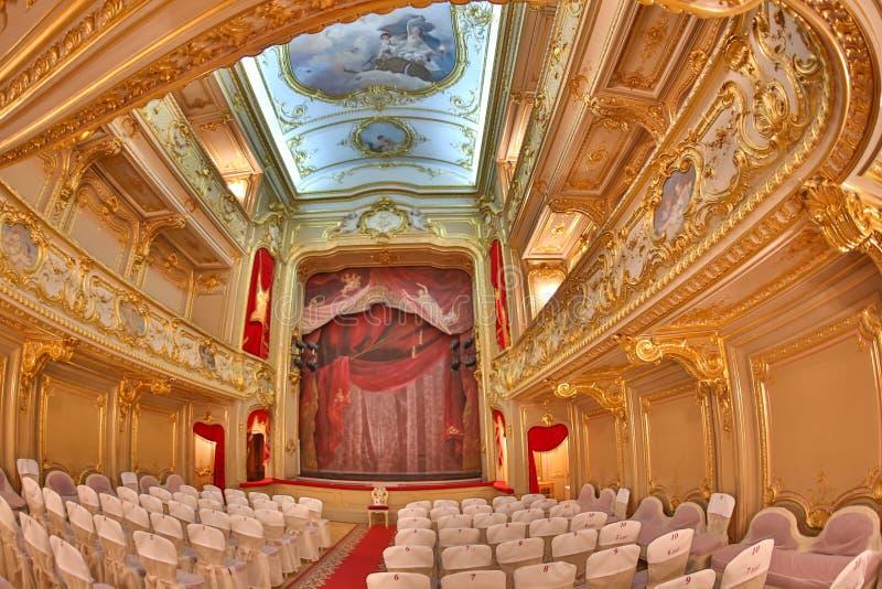 ST PETERSBURGO, RUSSIA-JANUARY 6,2018: Interior do teatro, 1860s, no palácio de Yusupov O palácio é aclamado como fotos de stock royalty free