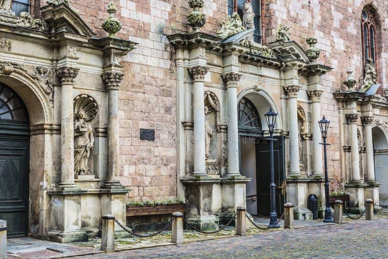 St- Peterschurchs Eingang Riga, Lettland lizenzfreie stockbilder