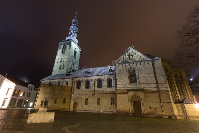 St petri kyrkliga mest soest Tyskland i aftonen royaltyfria foton