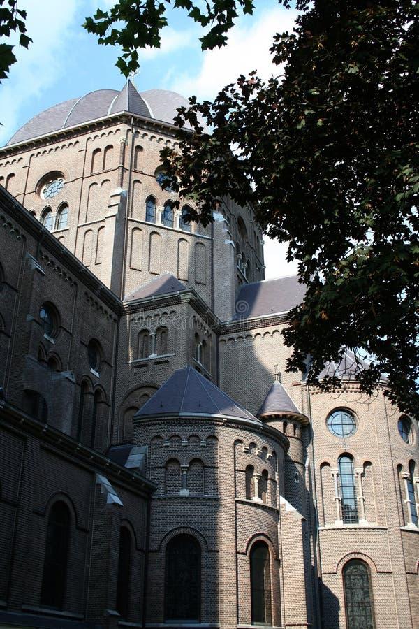 St Petrus Church i mitten av Uden royaltyfri bild