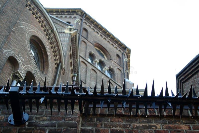 St Petrus Church i mitten av Uden arkivbilder