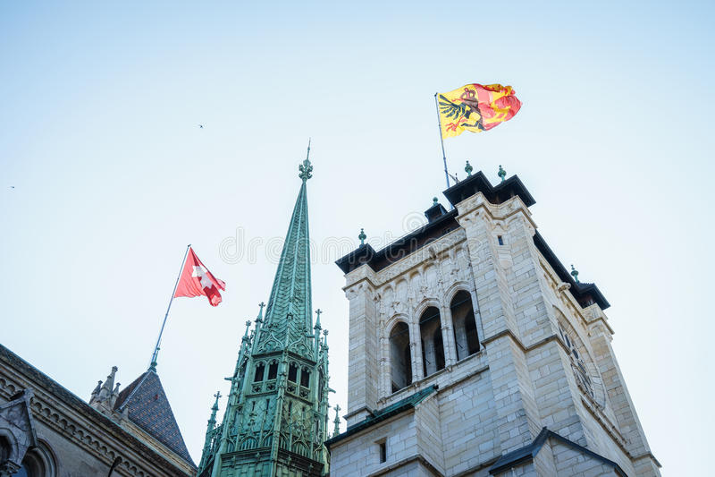 St Pierre Cathedral em Genebra, Suíça imagens de stock royalty free
