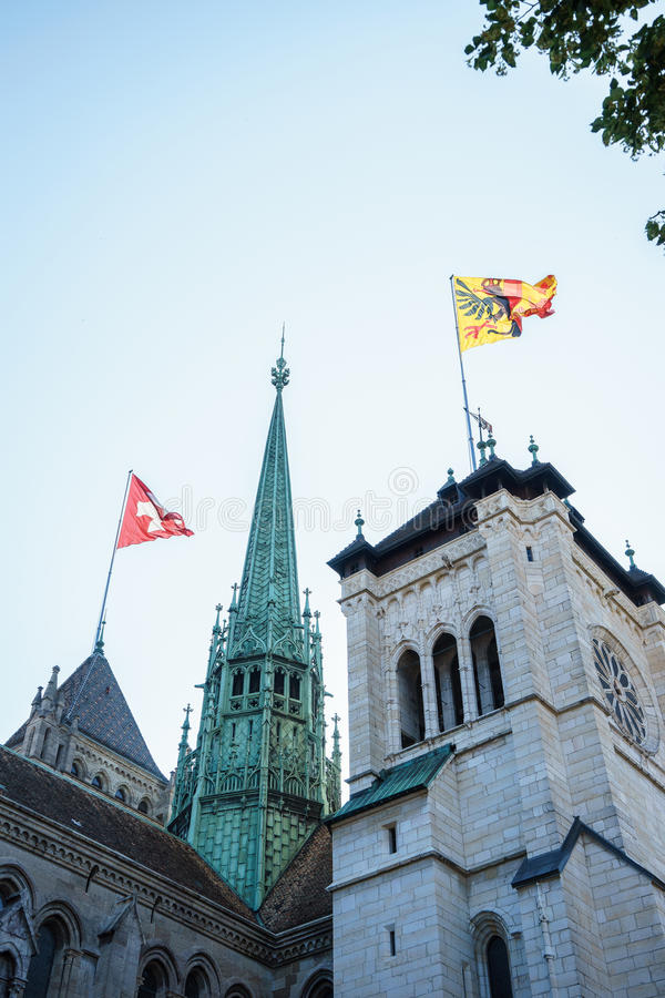 St Pierre Cathedral em Genebra, Suíça fotos de stock royalty free