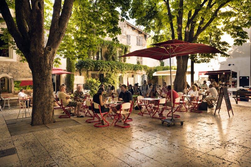 St.-Remy-De-Provence-Geburtsort von Nostradamus lizenzfreie stockfotos