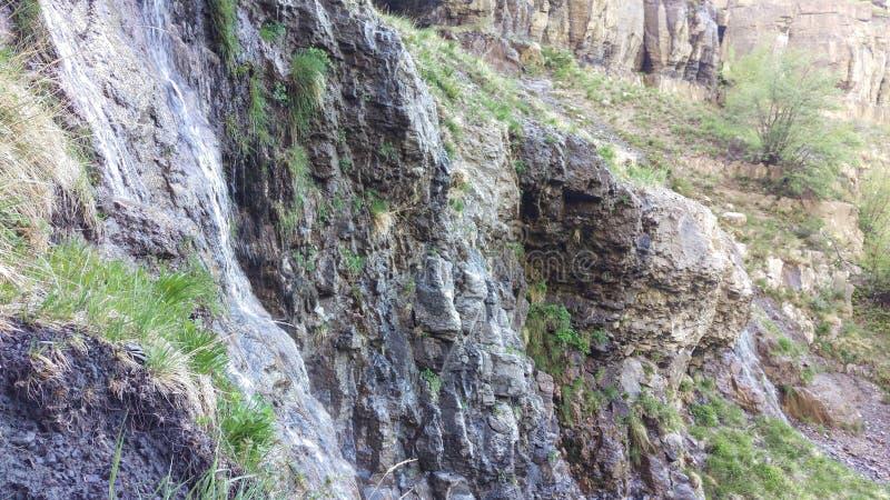 St?rre och Lesser Lost Creek Falls Springs royaltyfri bild
