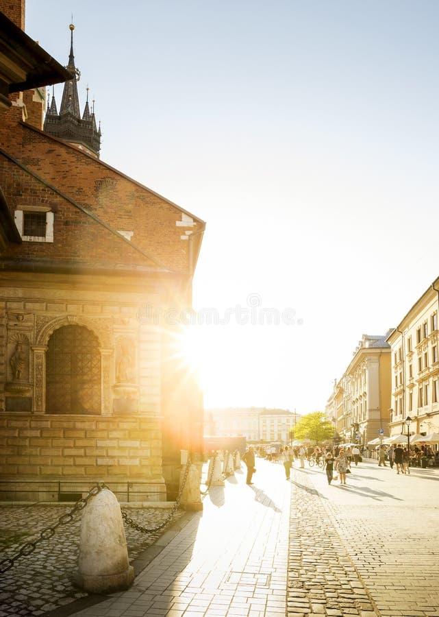 St ` s Maryjna bazylika na głównym placu w Krakow, Polska obrazy royalty free