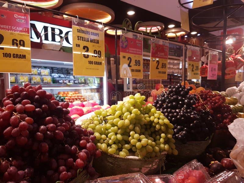 1st Sept 2016, Kuala Lumpur MBG-fruktaffär royaltyfri bild
