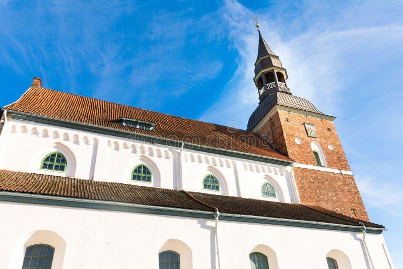 St Simon Church i Valmiera latvia arkivbild
