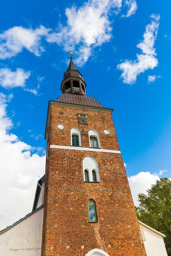St Simon kyrka i Valmiera, Lettland arkivbilder