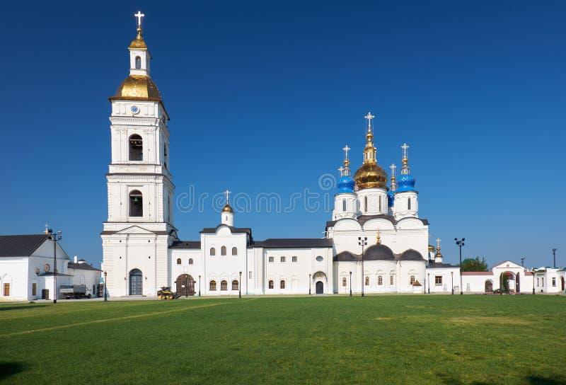 St.-Sophia-Annahme-Kathedrale mit dem Glockenturm Tobolsk Kremlin Tobolsk Tyumen Oblast Russland lizenzfreies stockbild