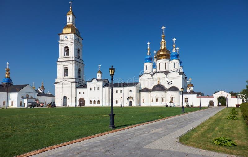 St.-Sophia-Annahme-Kathedrale mit dem Glockenturm Tobolsk Kremlin Tobolsk Tyumen Oblast Russland lizenzfreies stockfoto