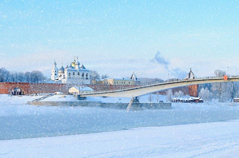 St Sophia katedra w Novgorod Kremlin w Veliky Novgorod, Rosja, w zima słonecznym dniu zdjęcia stock