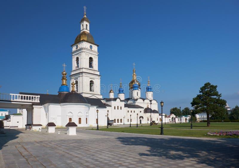 St sophia-Veronderstelling Kathedraal met de klokketoren Tobolsk het Kremlin Tobolsk Tyumen Oblast Rusland royalty-vrije stock afbeeldingen