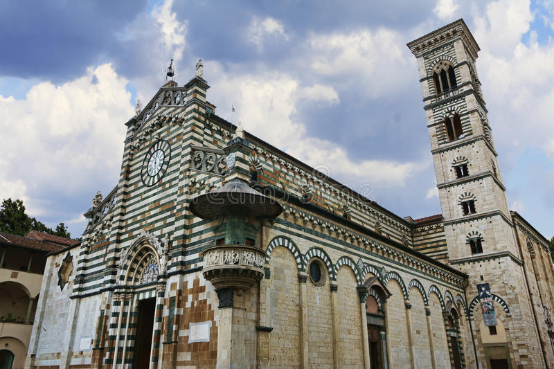 St Stefano Cathedral i Prato, Italien arkivfoton