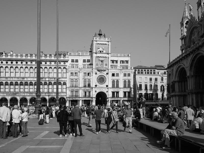 St Tekenvierkant in Venetië in zwart-wit stock afbeeldingen